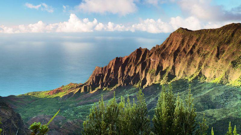 Mountains and ocean Na Pali coast in Kauai