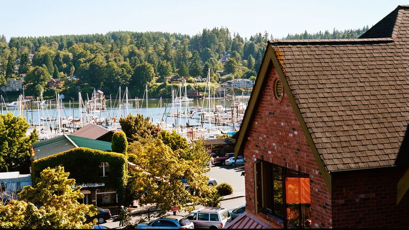 Fall Eagle Harbor Inn in Bainbridge Island, Washington