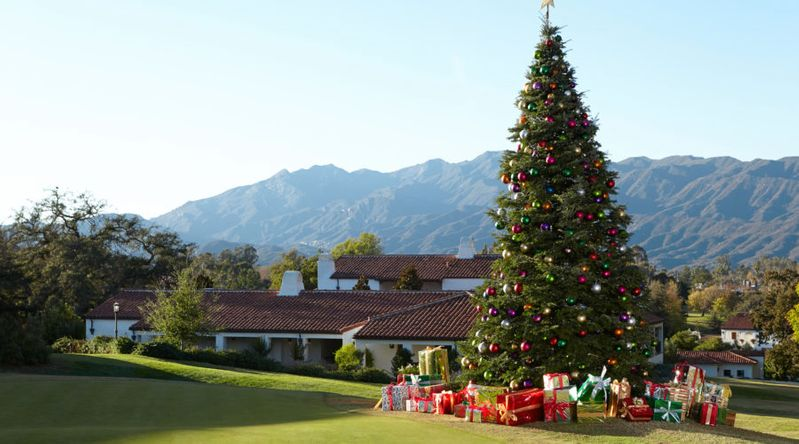 Christmas tree on the lawn of the Ojai Valley Inn & Spa with mountains in the background