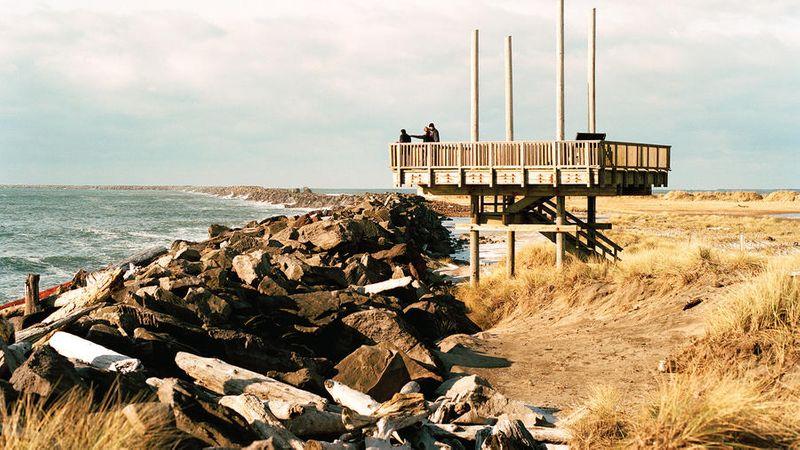 beach towns on the west coast astoria, oregon pier