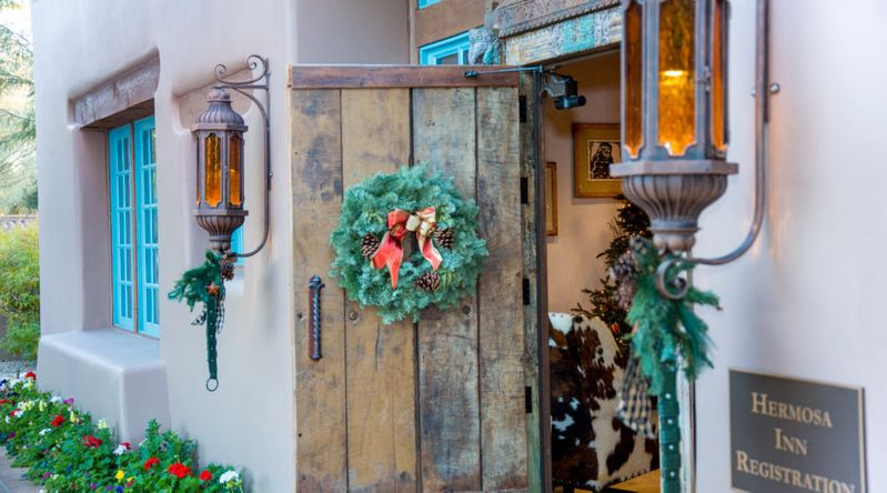 Hermosa Inn in Phoenix lit up for the holidays