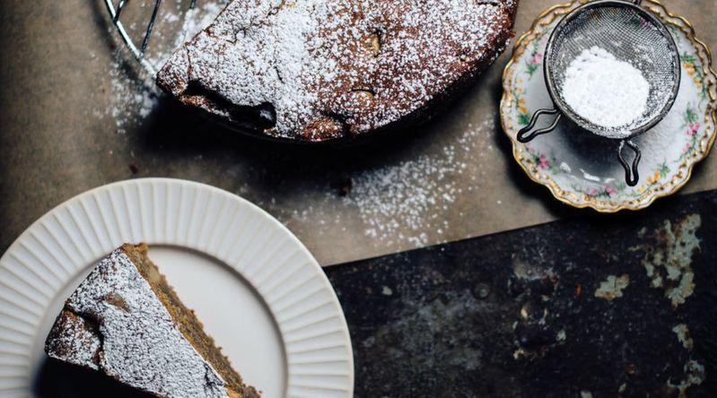 Apple Masala Chai Cake