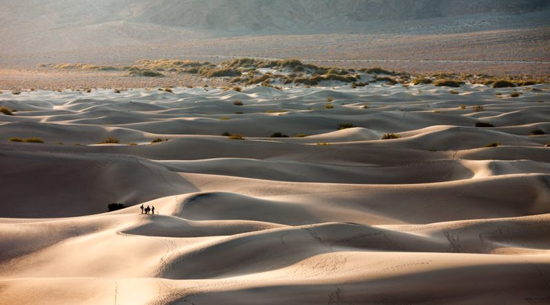 The Mesquite Flat sand dunes in Death Valley National Park, great place for thanksgiving getaways