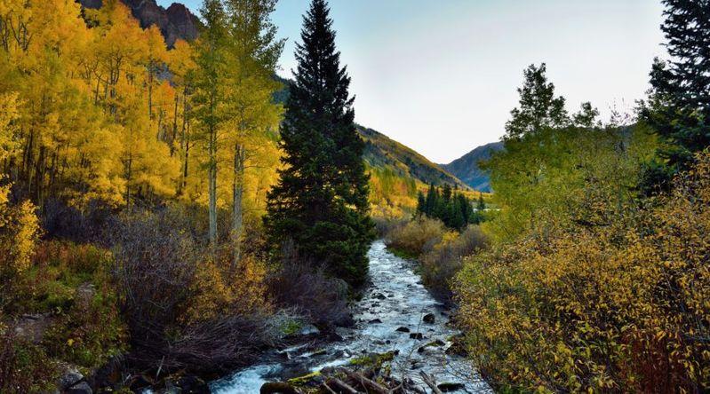 best fall color in Colorado Maroon Bells Maroon Creek Trail