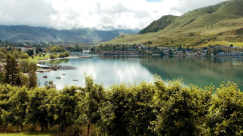 Best lake vacation Lake Chelan in Washington