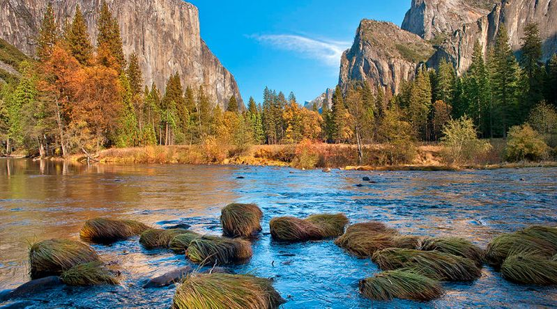 The valley at Yosemite National Park, a UNESCO World Heritage SIte