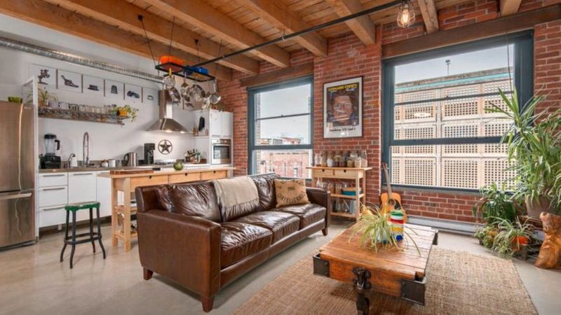 Cozy Gastown Apartment