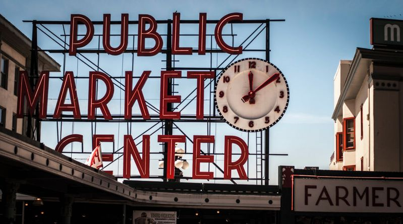 The sign at Pike Place Market in Seattle, which has great ghost tours