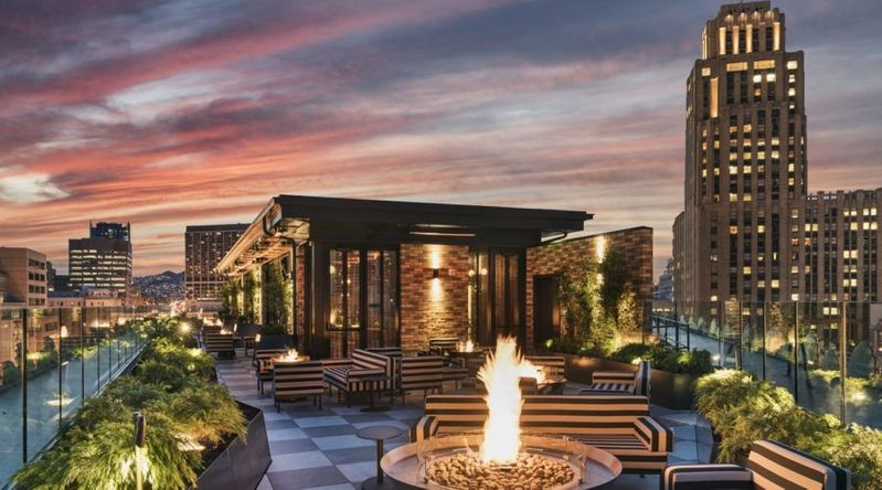 The rooftop bar the the San Francisco Proper, a great hotel for Thanksgiving couples getaways